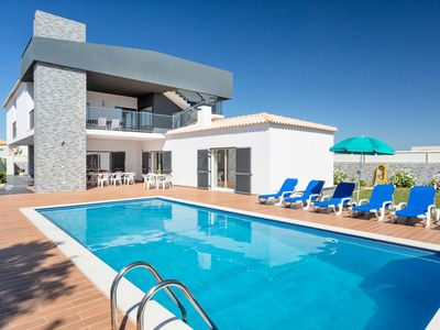 Photo for This 5-bedroom villa for up to 9 guests is located in Gale, Albufeira and has a private swimming poo