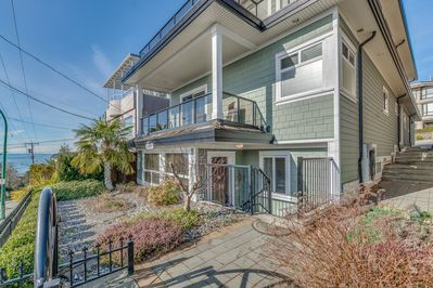 Perfect location close to the beach in a bright modern newer home.