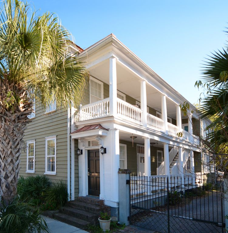 Downtown Charleston Six Bedrooms With Parki...