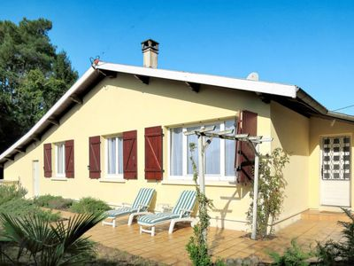 Photo for 3BR Villa Vacation Rental in Andernos-les-Bains, Gironde