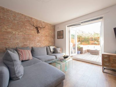 Photo for Modern Cool Apartment near Broadway Market and Tube