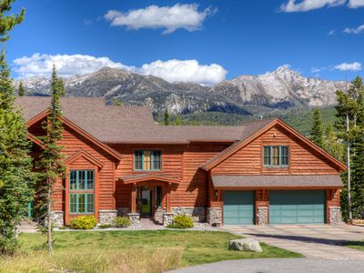 Photo for Picturesque Views & Rugged Wilderness. Massive Private Home Ready For Vacation!