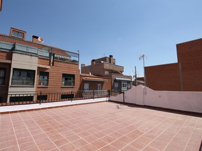 Photo for Stylish 1-bedroom apartment for rent in Usera, Madrid