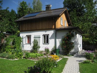 Photo for Cozy cottage with garden, max. 4 people, Near lake