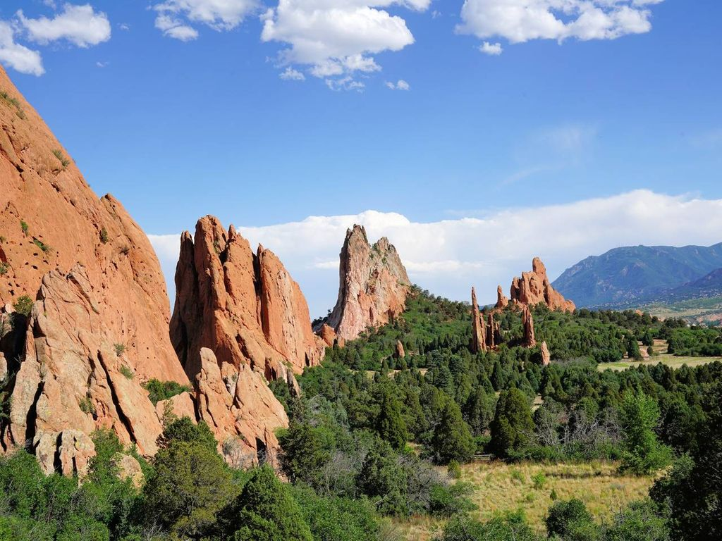 Garden Of The Gods Home Close To Air Force Hiking Trails And