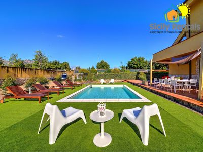 Photo for Wonderful villa with pool few minutes away from the beach of Mondello