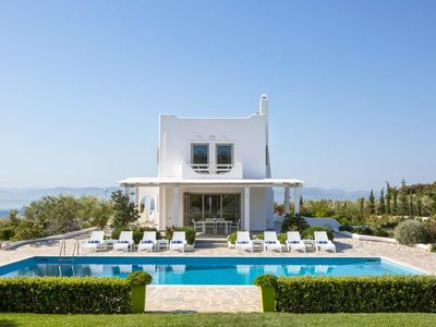 Photo for Villa Elena holds a fantastic position in the Gulf of Corinth, making it the perfect base from which