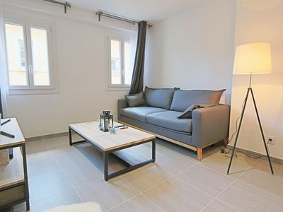 Photo for Apartment in the historic center, contemporary and air-conditioned