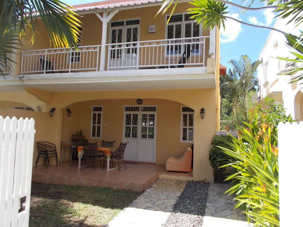 Luxurious house between 2 of the best beaches in mauritius free unlimited wifi