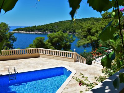 Photo for Villa Sunny with pool directly on the private beach, ** LASTMINUTE **
