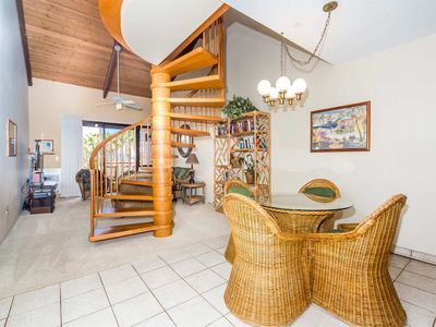 Photo for Space+Lush Scenery! 2 Levels w/Kitchen, Washer/Dryer, Lanai–Kamaole Sands 10411