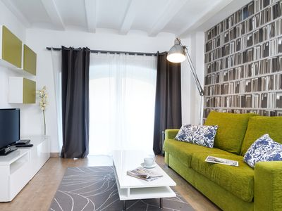 Photo for Beautiful 2 bedroom apartment 50 meters from the Sagrada Familia
