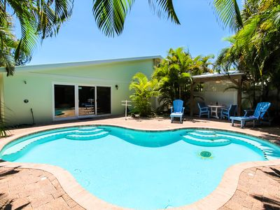 Photo for Great Villa! Just updated, private Pool and 1 block to the beach!