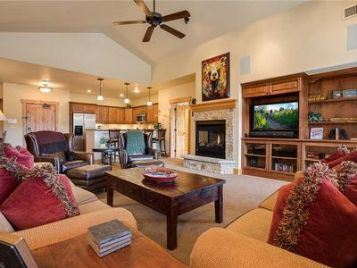 BL6308 Top Floor Home with Fabulous Views! 4 Pools, Specials!