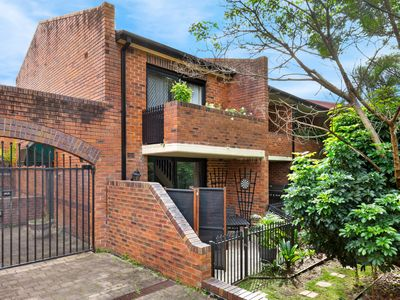 Photo for GLEBE 24 WIG - Glebe, NSW