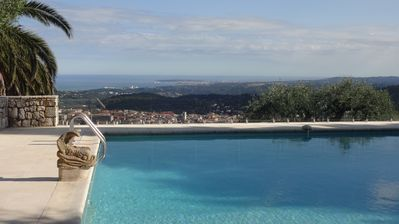 Photo for Provencal villa with panoramic views of the Mediterranean from Nice to Cannes