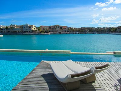 Fabulous 3 Bedroom Condo Ocean Views - Private Pool