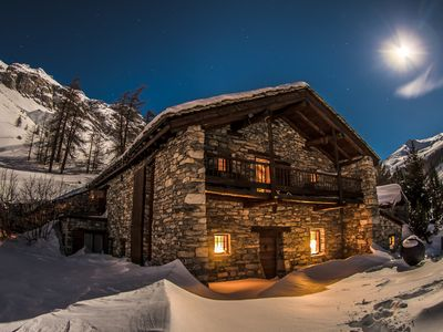 Photo for Traditional chalet on the slopes of Val d'Isere