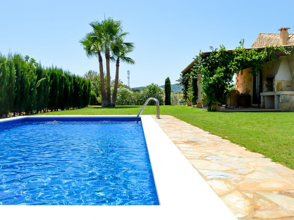 Natural stone finca with pool and sun terrace in son for Natural terrace