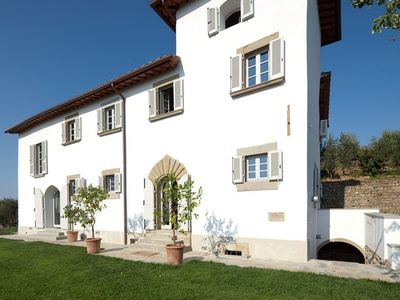 Photo for Luxury villa with pool and lots of privacy near Florence and Arezzo