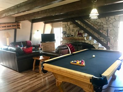 Photo for Charming Cabin, Walk to the Slopes, Spa and  Pool Table, Pet Friendly!