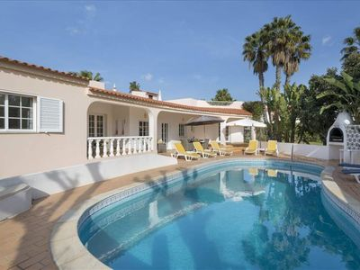Photo for 4 bedroom villa with pool