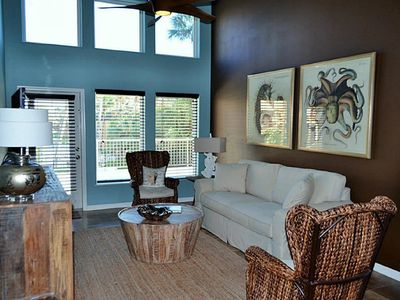 Photo for Luxury Condo!!  Pool View, Newly Remodeled, Washer/Dryer/Wifi