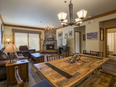 Photo for Gondola base - 2 bedroom / 2 bath - top floor remodel. Perefect for skiing!