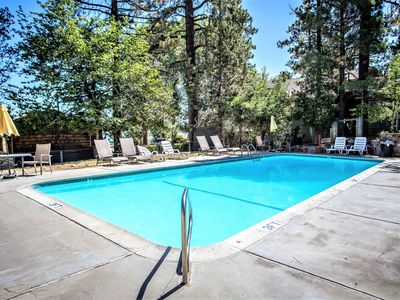 Photo for Country house in the center of Big Bear Lake with Parking, Internet, Washing machine, Pool (983719)
