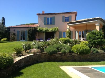 Photo for Holiday villa in Cavalaire for 8 guests, Heated pool and pool house