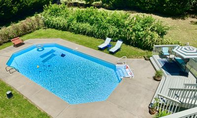 Photo for Pool, Pets and Privacy! Just 4 mins to PineWood Studios.