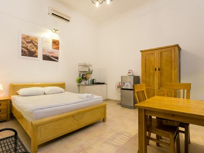 Photo for Private room w/Window, 5' to Nguyen Hue street