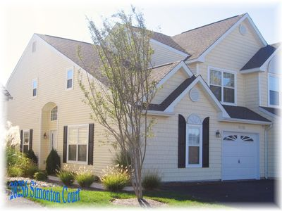 Photo for Convenient, Cozy & Cheerful!  Family Friendly. Great Location, Community Pool