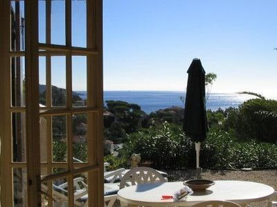 Photo for Typical house of Provence in quiet surroundings, with breathtaking sea-view