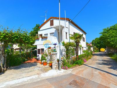 Photo for Apartment 358/828 (Istria - Porec), Budget accommodation, 1000m from the beach