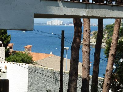 Photo for Apart. 2 c. to rosas (small canyelles), comfortable, 100m from the beach, sea view