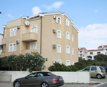 Photo for Apartments KATICA for 10 people near the beach, WiFi&aircon
