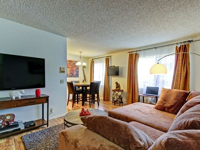 Photo for Cozy Nest is a few Min Away From Marina Del Rey Beach,LAX,LMU,Close To It All.