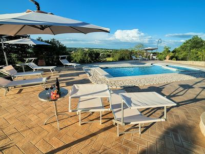 Photo for 8 bedroom Villa, sleeps 20 in Fiordini with Pool, Air Con and WiFi