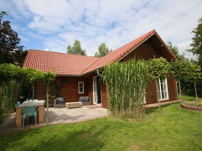Photo for Lovely holiday home with sauna and hot tub set on the edge of a pleasant holiday resort