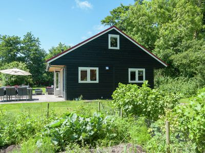 Photo for Luxurious holiday home with large garden, lots of nature, sauna and steam room
