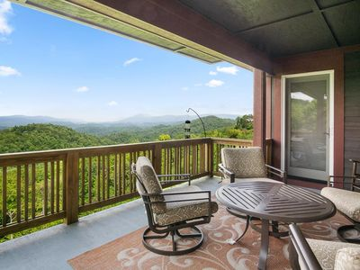 Grand Oaks RX3/Close to High Country Attractions/Gated Resort/Pools/Mountain Views - Last minute ...