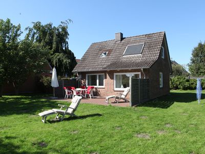 Photo for Beautiful beach house, 100m to the Baltic Sea, with a large south garden, for 5 people, WiFi