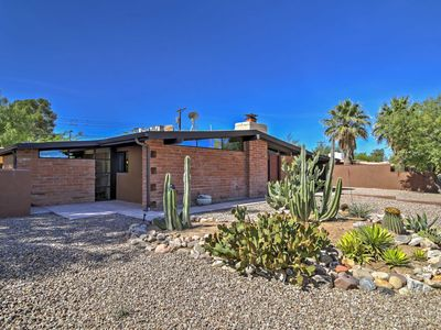 Tucson Home w/ Large Backyard - 20 Mins from Dwtn!
