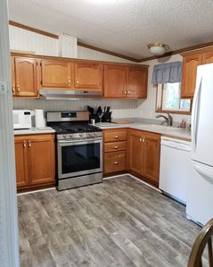 CLEAN 3 Bedroom 2 full Bath walking distance to County Park/ Boat Launch/Lagoon