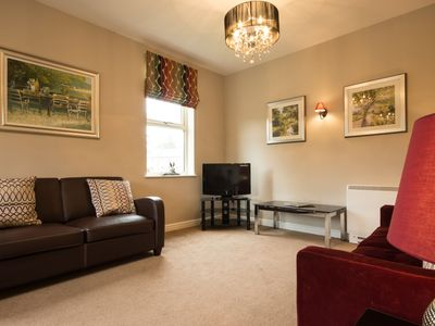 Photo for Hardwick - sleeps 7 guests  in 3 bedrooms