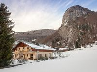 Beautiful & cosy chalet, with spacious rooms & only 5min drive from Saint jean d aulps
