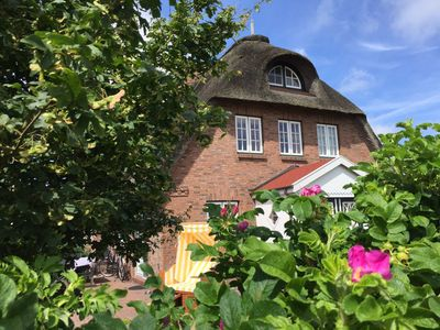 Photo for Family-friendly **** Thatched Cottage in Dunsum on Föhr