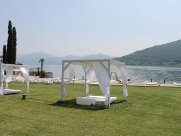 Apartment on Lake Iseo 8 10 persons: Barbecue Garden tub
