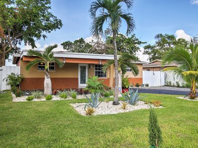 Photo for Quiet Davie House on a Lake Near Ft Lauderdale!